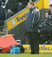 Photo: Steve Bond/Sportsbeat Images.<br />Leicester City v West Bromwich Albion. Coca Cola Championship. 08/12/2007. Tony Mowbray looks on impassively