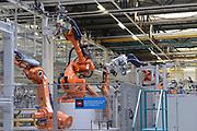 VDL Nedcar produceet de MINI. De autofabriek VDL Nedcar is omgebouwd en heringericht voor de productie van de nieuwe MINI in opdracht van BMW. <br /> <br /> VDL Nedcar produces the MINI The car factory VDL Nedcar has been converted and refurbished for the production of the new MINI commissioned by BMW.<br /> <br /> Op de foto / On the photo: De productiehal / the production Hall