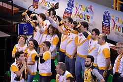 09-04-2016 ITA: CEV DenizBank Champions League Fenerbahce Grundig Istanbul - VakıfBank Istanbul, Montichiari<br /> Vakifbank wint met 3-0 en plaatst zich voor de finale / Support publiek<br /> <br /> ***NETHERLANDS ONLY***
