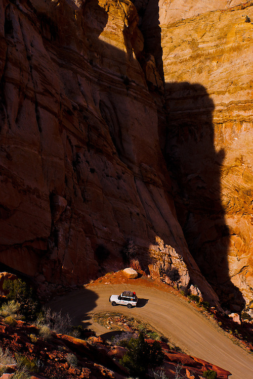 Ann Lockley drives her 1991 Great Divide Expedition edition Range Rover across the Utah desert during Carbon Neutral Expedition 2010