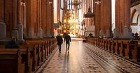 Bialystok, 15.03.2020. Na glowne nabozenstwo - sume - z powodu zagrozenia koronawirusem przyszlo do Bazyliki Katedralnej tylko kilkanascie osob fot Michal Kosc / AGENCJA WSCHOD