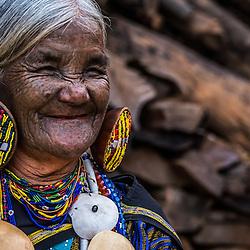 Myanmar - The Chin Noseflute ladies (Mindat, Chin State)