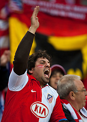 12.05.2010, Hamburg Arena, Hamburg, GER, UEFA Europa League Finale, Atletico Madrid vs Fulham FC im Bild feiernde Atletico Fans, EXPA Pictures © 2010, PhotoCredit: EXPA/ J. Feichter / SPORTIDA PHOTO AGENCY
