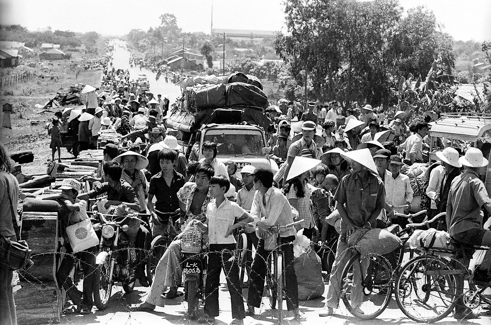 Evacuations near Xuan Loc in South Vietnam as the North Vietnamese army made their advance on the city. Xuan Loc was the last major battle of the Vietnam War fought between 9th and 21st April 1975. Photographed by Terry Fincher