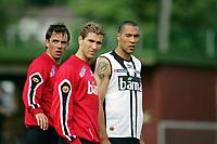 Fotball, 31. mai 2005, Trening Norge, John Carew, Claus Lundekvam og Azar Karadas<br /> <br /> May 31. 2005, Training Norway, John Carew , Claus Lundekvam and Azar Karadas