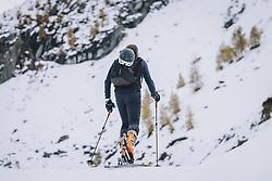 THEMENBILD - Skitourengeher beim Aufstieg am Skigebiet Kitzsteinhorn, aufgenommen am 21. Oktober 2020 in Kaprun, Österreich // Ski tourers during ascent at the Kitzsteinhorn ski resort, Kaprun, Austria on 2020/10/21. EXPA Pictures © 2020, PhotoCredit: EXPA/ JFK