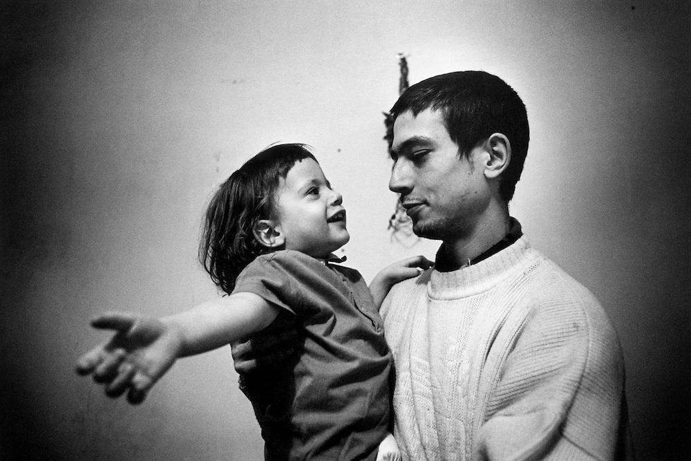 Paris, janvier 2000. Loup et Mehdi, 2 ans.