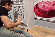 New York , art break hotel, the carlton arms hotel, is covered with art work of different artists. / Le carlton arms hotel, est un veritable musee  de l'art moderne, depuis trente ans des dizaines d artistes ont transformes les chambres et les couloirs de cet hotel en oeuvre d'art, le resultat est impressionnant