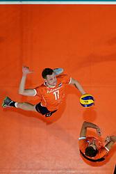 21-09-2019 NED: EC Volleyball 2019 Netherlands - Germany, Apeldoorn<br /> 1/8 final EC Volleyball / Michael Parkinson #17 of Netherlands