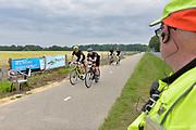 Nederland, Berg en Dal, 26-5-2019De fietsprestatietocht Zeven voor Leven . Een toertocht om geld voor kankeronderzoek, onderzoek naar kanker, op te halen . De 7 rondjes door de regio Nijmegen en Groesbeek hebben zoveel hoogtemeters dat de toertocht  erg zwaar is . De bijna vierhonderd deelnemers kwamen regelmatig in de knoop met rtecreanten, wandelaars, hardlopers en fietsers, die hier altijd al hun beweging halen .Foto: Flip FranssenFoto: Flip Franssen
