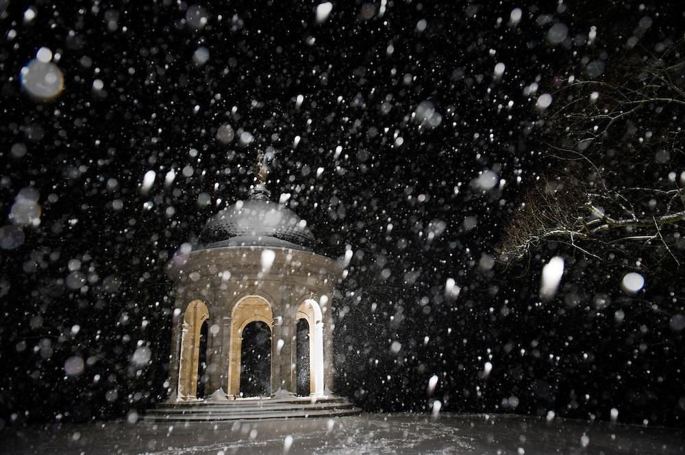 Nederland, Driebergen, 5 dec 2010.Koepeltje van Driebergen in de sneeuw..Foto (c)  Michiel Wijnbergh