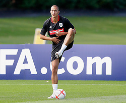 09.08.2010. Arsenal Training Ground, London, ENG, Nationalteam England Training, im Bild Fulham forward Bobby Zamora, EXPA Pictures © 2010, PhotoCredit: EXPA/ IPS/ Marcello Pozzetti *** ATTENTION ..*** UK AND FRANCE OUT! / SPORTIDA PHOTO AGENCY