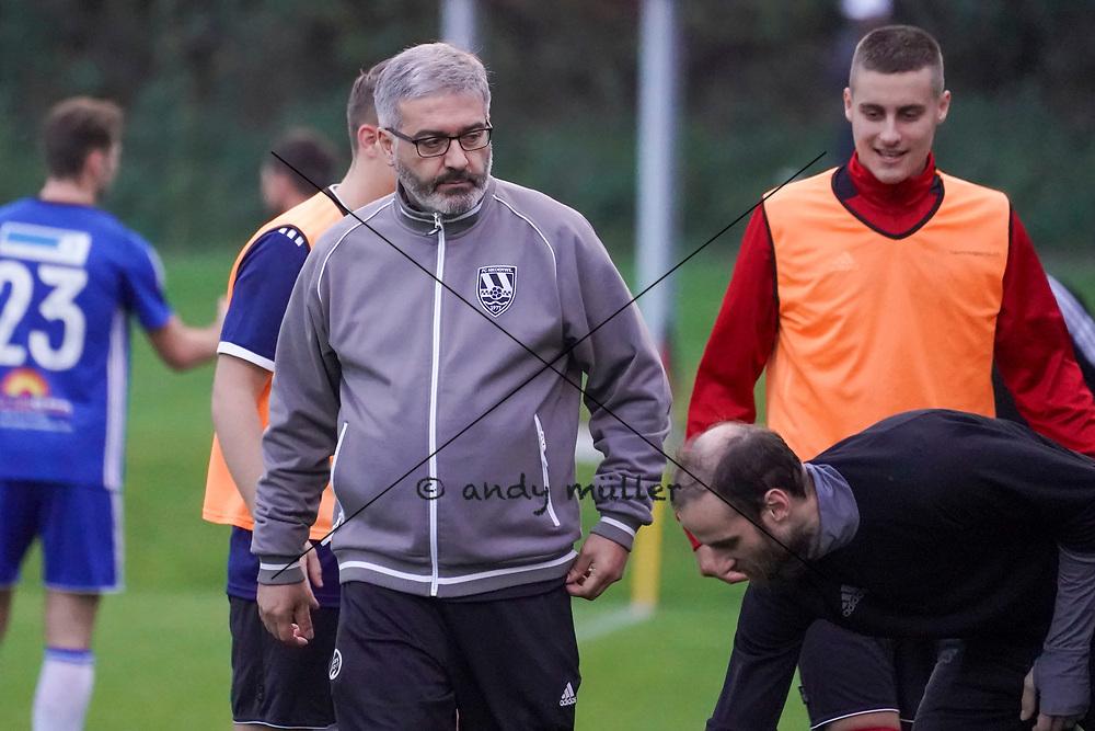 19.10.2019; Niederwil; Fussball 2.Liga - FC Niederwil - FC Sarmenstorf;<br /> Trainer Luigi Saporito (Niederwil) <br /> (Andy Mueller/freshfocus)