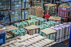 A Klabin, maior produtora e exportadora de papéis do Brasil, é líder na produção de papéis e cartões para embalagens, embalagens de papelão ondulado e sacos industriais, além de comercializar madeira em toras. A unidade de Lages produz sacos industriais, sacos colados, costurados, pinch botton e dobra dupla. FOTO: Jefferson Bernardes/ Agência Preview