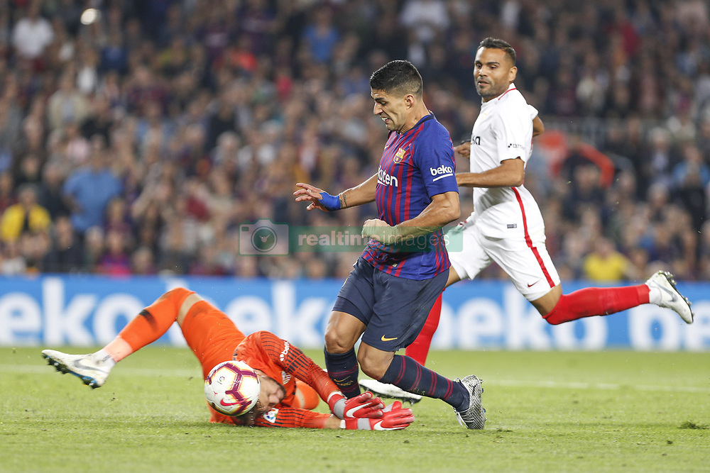 October 20, 2018 - Barcelona, Catalonia, Spain - Sevilla FC goalkeeper Tomas Vaclik (1) and FC Barcelona forward Luis Suarez (9) during the match FC Barcelona against Sevilla FC, for the round 9 of the Liga Santander, played at Camp Nou  on 20th October 2018 in Barcelona, Spain. (Credit Image: © Mikel Trigueros/NurPhoto via ZUMA Press)