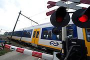 Spoorwegovergang, Zuid-Holland- Level crossing, Netherlands