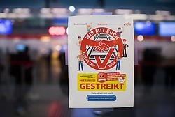 """26.11.2018, Bahnhof Meidling, Wien, AUT, Warnstreik der Eisenbahner Gewerkschaft vida zwischen 12:00 und 14:00 Uhr. im Bild Plakat """" Hier wird gestreikt"""" // during warning strike of the railway workers at """"Meidling station"""" in Vienna, Austria on 2018/11/26. EXPA Pictures © 2018, PhotoCredit: EXPA/ Michael Gruber"""