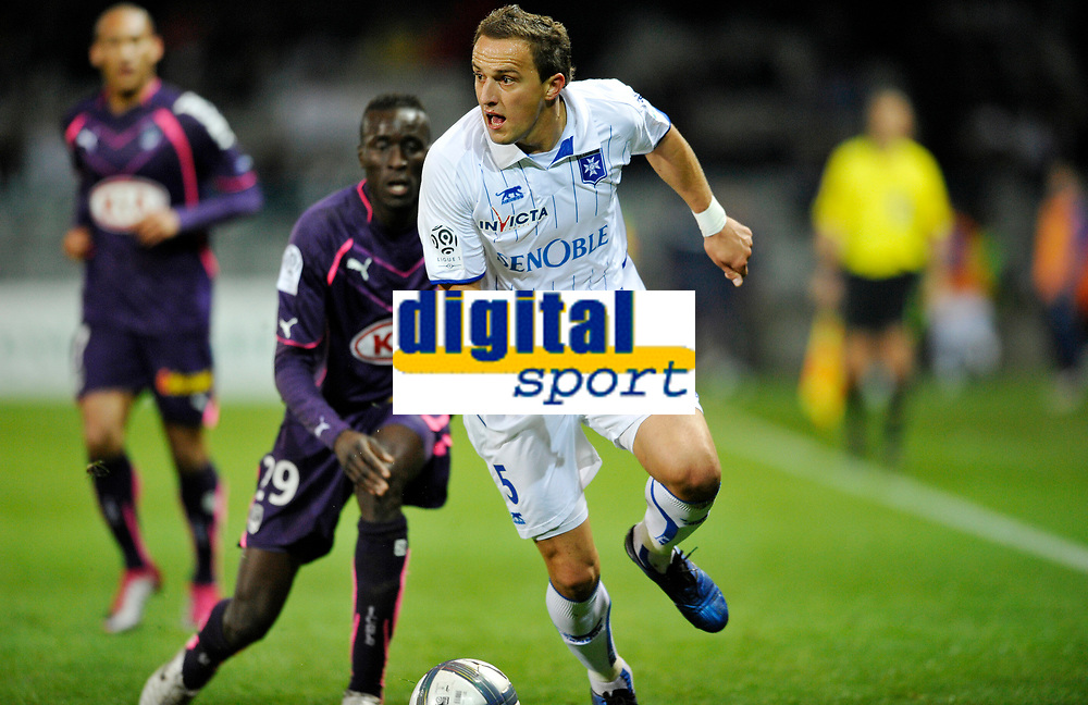 FOOTBALL - FRENCH CHAMPIONSHIP 2010/2011 - L1 - AJ AUXERRE v GIRONDINS BORDEAUX - 16/10/2010 - PHOTO GUY JEFFROY / DPPI - DARIUSZ DUDKA (AUX)
