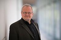 DEU, Deutschland, Germany, Berlin, 28.09.2020: Portrait von Tobias Pflüger, stellvertretender Parteivorsitzender DIE LINKE, Deutscher Bundestag.