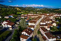 France, Pyrénées-Atlantiques (64), Pays Basque, Espelette // France, Pyrénées-Atlantiques (64), Basque Country, Espelette