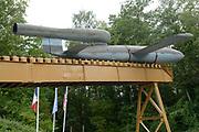 V2 Bunker Eperlecques. Diep verscholen in de bossen ten noorden van Eperlecques (7 kilometer ten noordwesten van St. Omer) ligt een enorm betonnen gevaarte. Ooit was het de bedoeling om vanuit deze plek de gevreesde V2 raket te lanceren naar Engeland.<br /> <br /> V2 Eperlecques Bunker. Deep in the woods north of Eperlecques (7 kilometers northwest of St. Omer) is a huge concrete colossus. Once it was the intention to launch the dreaded V2 rocket from this place to England.