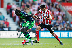 Southampton's Jose Fonte puts Swansea City's Eder under pressure - Mandatory by-line: Jason Brown/JMP - 07966 386802 - 26/09/2015 - FOOTBALL - Southampton, St Mary's Stadium - Southampton v Swansea City - Barclays Premier League