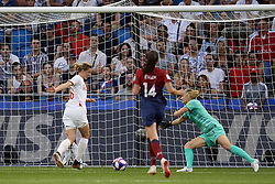 June 27, 2019 - Le Havre, France - Ellen White (Birmingham City WFC) of England shooting to goal during the 2019 FIFA Women's World Cup France Quarter Final match between Norway and England at  on June 27, 2019 in Le Havre, France. (Credit Image: © Jose Breton/NurPhoto via ZUMA Press)