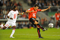 FOOTBALL - FRENCH CHAMPIONSHIP 2010/2011 - L1 - STADE RENNAIS v LILLE OSC - 07/08/2010 - PHOTO PASCAL ALLEE / DPPI - ROMAIN DANZE (RENNES) / GERVINHO (LILLE)