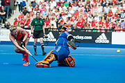 England's Hollie Webb scores in the shoot out. England v The Netherlands, Lee Valley Hockey and Tennis Centre, London, England on 11 June 2017. Photo: Simon Parker