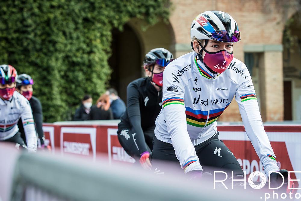 World Champion Anna van der Breggen (NED/SDWorx) on her way to the pre race team presentation)<br /> <br /> 7th Strade Bianche Women Elite <br /> Siena > Siena 136km<br /> <br /> ©RhodePhoto