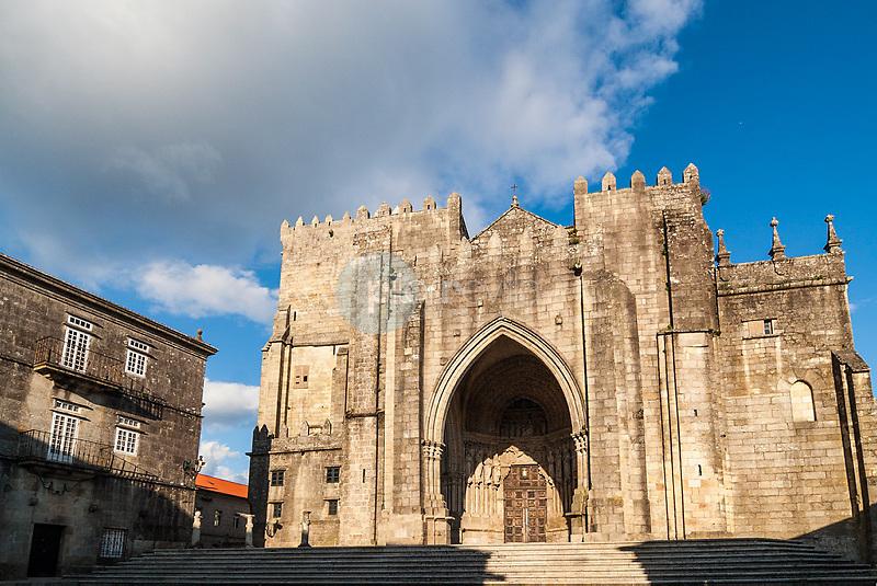 ©unknown Country Sessions / PILAR REVILLA Facahda de la catedral de Tuy. Pontevedra. Galicia. España. Europa ©Country Sessions / PILAR REVILLA