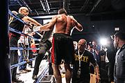Boxen: Deutsche Meisterschaft, Super-Mittelgewicht, Emin Atra - Surik Donsdean, Hamburg, 30.07.2016<br /> © Torsten Helmke