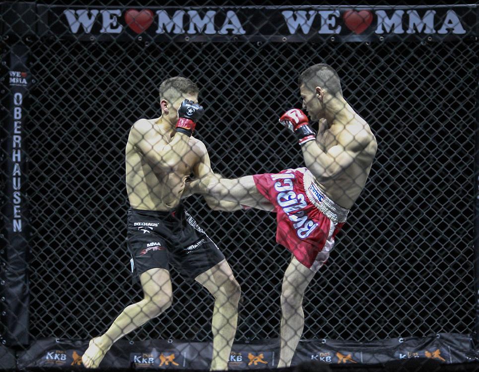 Kampfsport: MMA, We love MMA, Oberhausen, 31.01.2015<br /> Attila Korkmaz (Team MMA Spirit Frankfurt, l.) - Giuseppe Correra (Fight Lounge Dortmund)<br /> © Torsten Helmke
