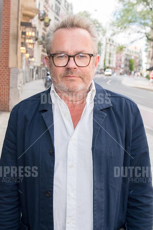 George van Houts tijdens de uitreiking van de Johan Kaartprijs 2019 in het DeLaMar Theater in Amsterdam