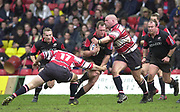 Watford, GREAT BRITAIN, 3rd April 2004, Vicarage Road, ENGLAND. [Mandatory Credit: Photo  Peter Spurrier/Intersport Images],<br /> 03/04/2004  - 2003/04 Zurich Premiership - Saracens v Gloucester<br /> Sarries Richard Hill goes for the gap between Rodrigo Roncero [17] and Phil Vickery.<br /> Sarries Robbie Russell [left] Cobus Visagie move in to support Hill.