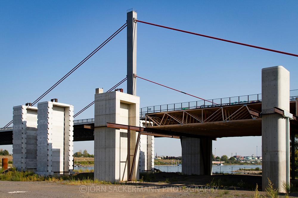 construction site of the new river Rhine bridge of the Autobahn A1 between Cologne and Leverkusen, Cologne, Germany.<br /> <br /> Baustelle der neuen Rheinbruecke der Autobahn A1 zwischen Koeln und Leverkusen, Koeln, Deutschland.