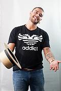 Belo Horizonte_MG, 01 de outubro de 2011<br /> <br /> Diogo Nogueira<br /> <br /> Na foto, retrato do musico sambista Diogo Nogueira para materia de capa da edicao. O musico se apresenta no Chevrolet Hall.<br /> <br /> Foto: NIDIN SANCHES / NITRO