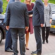NLD//Amsterdam/20160422 - Opening Koningspelen 2016, aankomst Maxima en Willem-Alexander