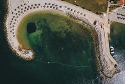 THEMENBILD - Urlauber geniessen die Strände des Touristenortes an der oberen Adria, aufgenommen am 03. Juli 2020 in Novigrad, Kroatien // People enjoy the beaches of the tourist village on the upper Adriatic Sea in Novigrad, Croatia on 2020/07/03. EXPA Pictures © 2020, PhotoCredit: EXPA/ JFK