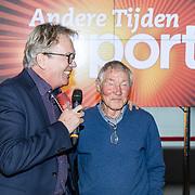 NLD/Amsterdam/20171207 - Perspresentatie Vrienden van Andere Tijden Sport 2017, Reinier Paping en presentator Tom Egbers