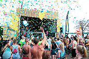 Helene Beach Festival 2018, Helenesee, Frankfurt Oder, 28.07.2018<br /> Houskasper (DJ, Konfetti)<br /> © Torsten Helmke