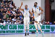 DESCRIZIONE : Eurocup 2014/15 Last32 Dinamo Banco di Sardegna Sassari -  Banvit Bandirma<br /> GIOCATORE : Jerome Dyson<br /> CATEGORIA : Palleggio Schema Mani<br /> SQUADRA : Dinamo Banco di Sardegna Sassari<br /> EVENTO : Eurocup 2014/2015<br /> GARA : Dinamo Banco di Sardegna Sassari - Banvit Bandirma<br /> DATA : 11/02/2015<br /> SPORT : Pallacanestro <br /> AUTORE : Agenzia Ciamillo-Castoria / Luigi Canu<br /> Galleria : Eurocup 2014/2015<br /> Fotonotizia : Eurocup 2014/15 Last32 Dinamo Banco di Sardegna Sassari -  Banvit Bandirma<br /> Predefinita :