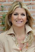 Koninklijke fotosessie 2013 op landgoed De Horsten ( het huis van de koninklijke familie)  in Wassenaar.<br /> <br /> Royal photoshoot 2013 at De Horsten estate (the home of the royal family) in Wassenaar.<br /> <br /> Op de foto / On the photo: <br /> <br />  Koningin Maxima / Queen Maxima