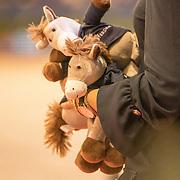 NLD/Amsterdam/20190126 - Prinses Beatrix bezoekt Jumping Amsterdam 2019, Speelgoed knuffel paardje