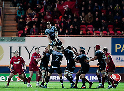 Toulon's Duane Vermeulen claims the lineout<br /> <br /> Photographer Simon King/Replay Images<br /> <br /> European Rugby Champions Cup Round 6 - Scarlets v Toulon - Saturday 20th January 2018 - Parc Y Scarlets - Llanelli<br /> <br /> World Copyright © Replay Images . All rights reserved. info@replayimages.co.uk - http://replayimages.co.uk