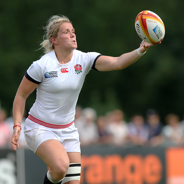 Rachael Burford reaches for the ball. England v Canada Pool A match at WRWC 2014 at Centre National de Rugby, Marcoussis, France, on 9th August 2014