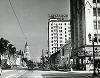 1943 Looking east on Hollywood Blvd. & Sycamore Ave.
