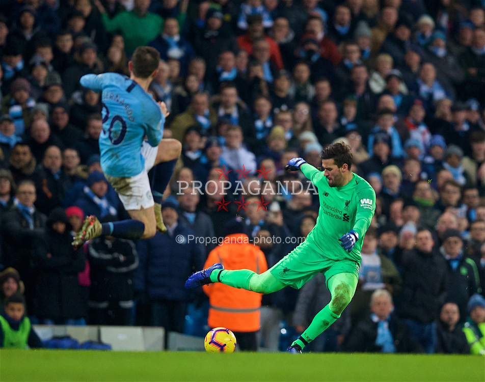 MANCHESTER, ENGLAND - Thursday, January 3, 2019: Liverpool's goalkeeper Alisson Becker during the FA Premier League match between Manchester City FC and Liverpool FC at the Etihad Stadium. (Pic by David Rawcliffe/Propaganda)