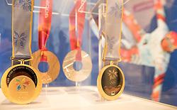 09.01.2017, Flachau, AUT, FIS Weltcup Ski Alpin, Flachau, Pressekonferenz, Präsentation Hermann-Maier-Galerie, im Bild Olympiamedaillen Hermann Maier // Olympic medals of former Austrian Skiracer Hermann Maier during a press conference to the presentation of new Hermann Maier Galerie as a side event of Flachau FIS ski alpine world cup. Flachau, Austria on 2017/01/09. von EXPA Pictures © 2017, PhotoCredit: EXPA/ Johann Groder