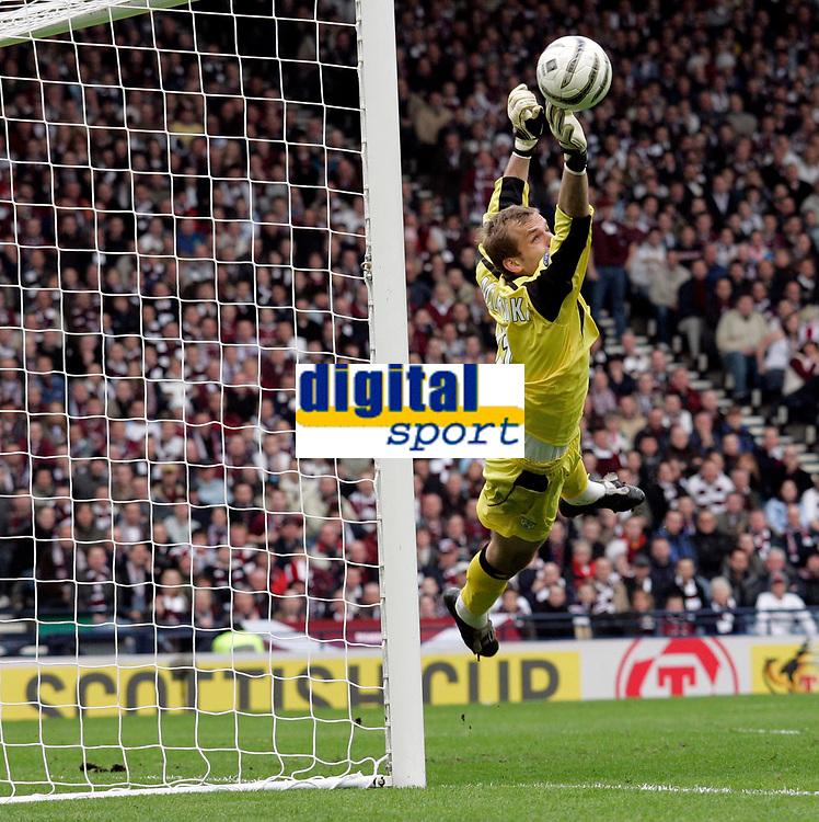 Photo: Tom Ross.Hibernian v Hearts. Tennants Scottish Cup, Semi-Final. 02/04/2006. Hibs keeper, Zbigniew Malkowski, had a very busy afternoon..